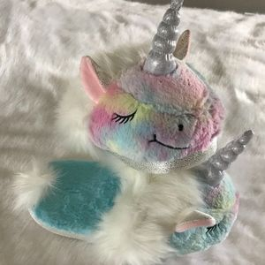 Adult Unicorn White Fluffy Slippers Size L (9-10)